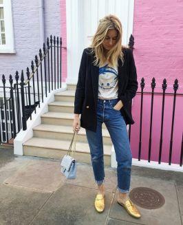 Calça jeans sem tênis.