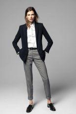 Observar a formalidade do ambiente ao definir calçados baixos para o trabalho.